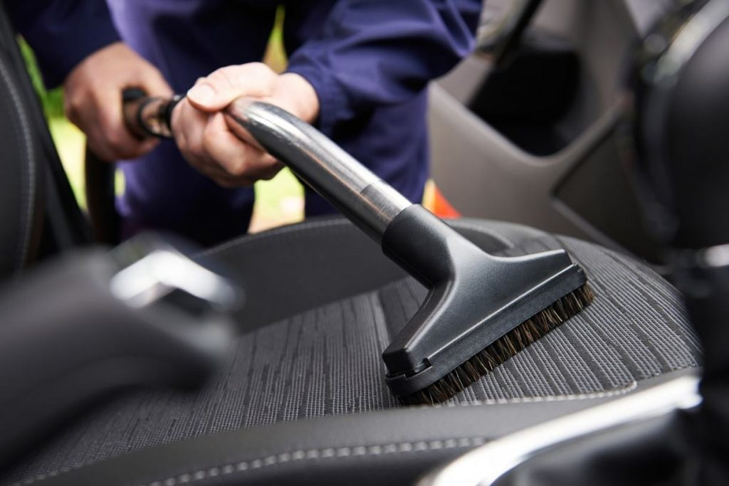 Best car vacuum cleaner in India